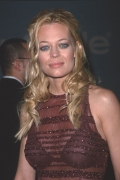 celebrity_city_Jeri_Ryan_1001_347lo.jpg