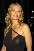 celebrity_city_Jeri_Ryan_773_441lo.jpg