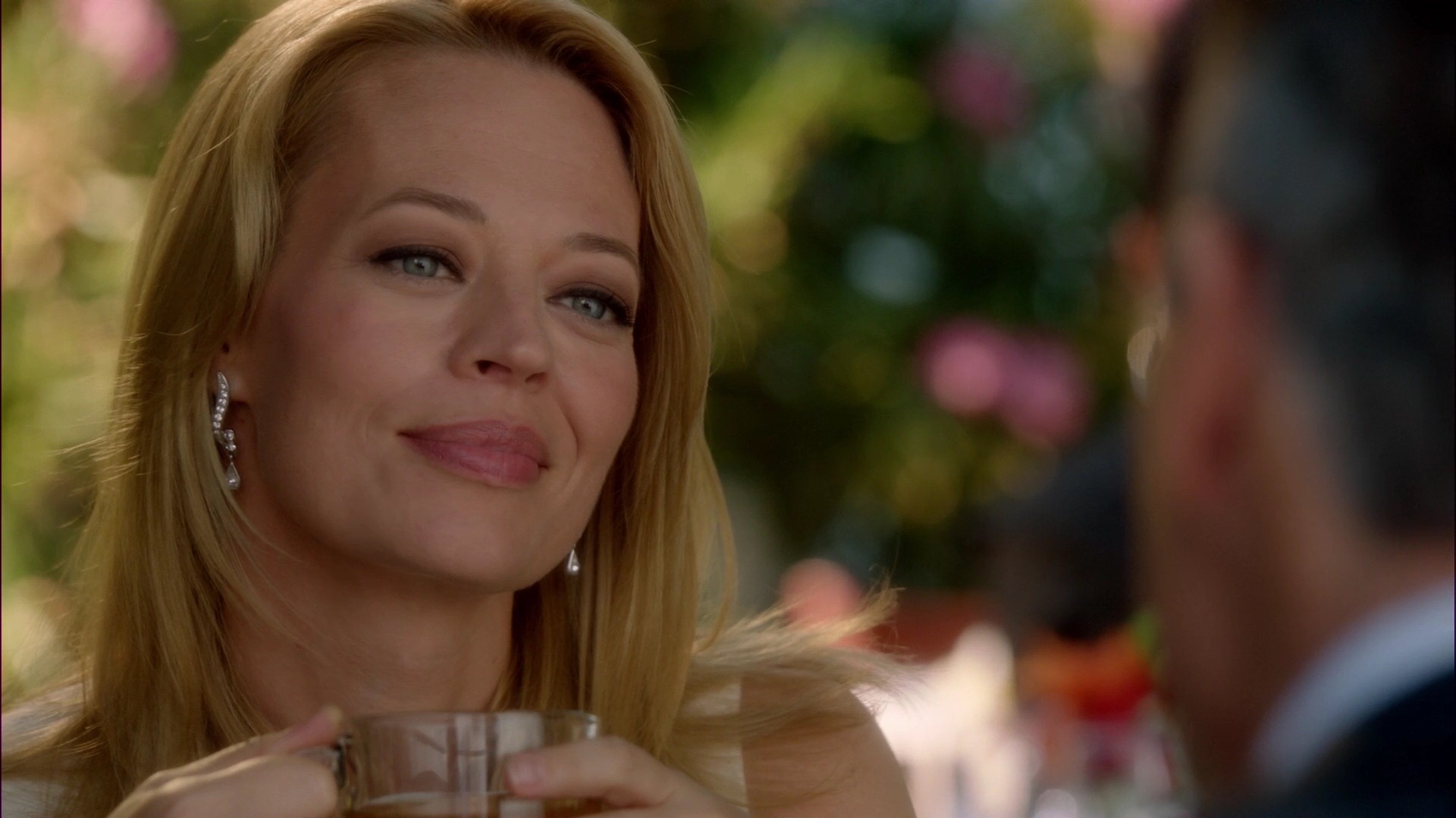 ariane179254_BodyOfProof_3x01_Abducted_Part1_0141.jpg