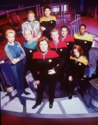 90594_celebrity_city_Star_Trek_Voyager_Cast_8.jpg